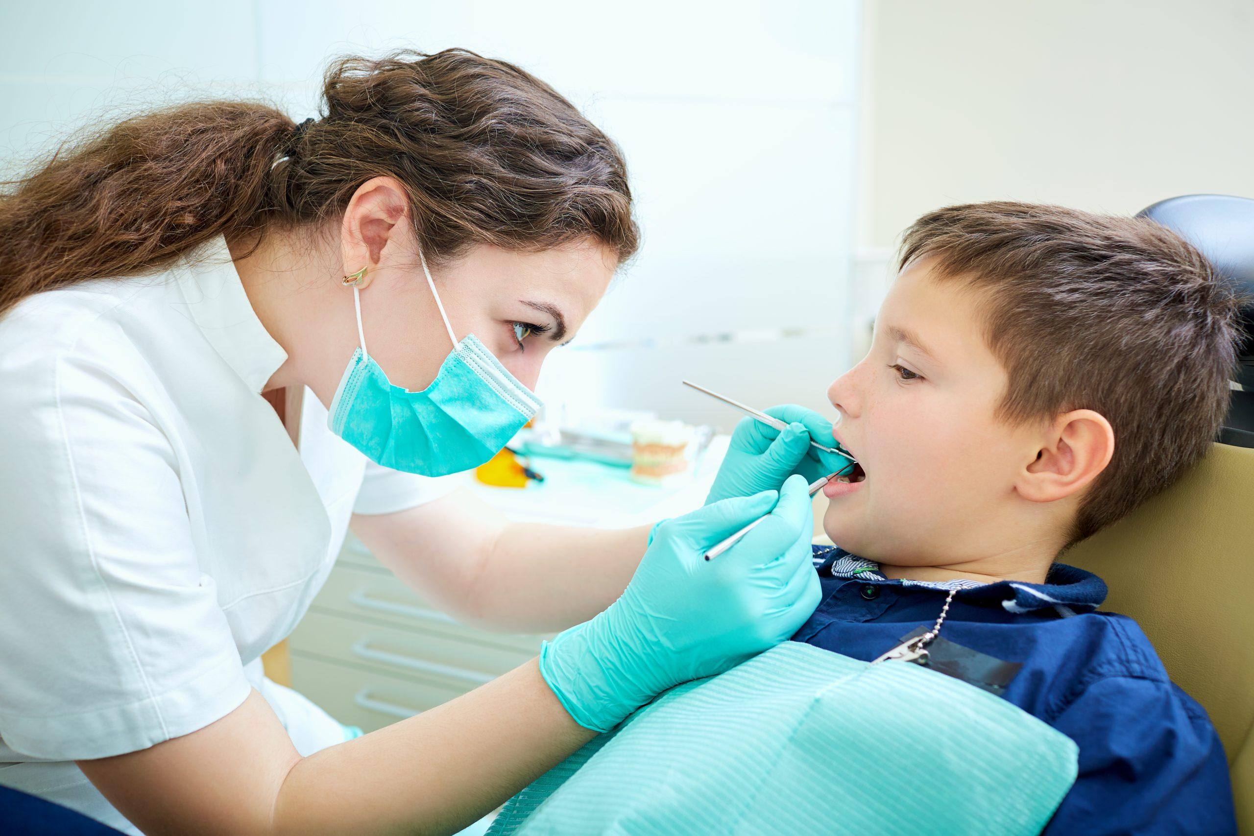 ¿Deben los bebés ir al dentista? Toda la verdad