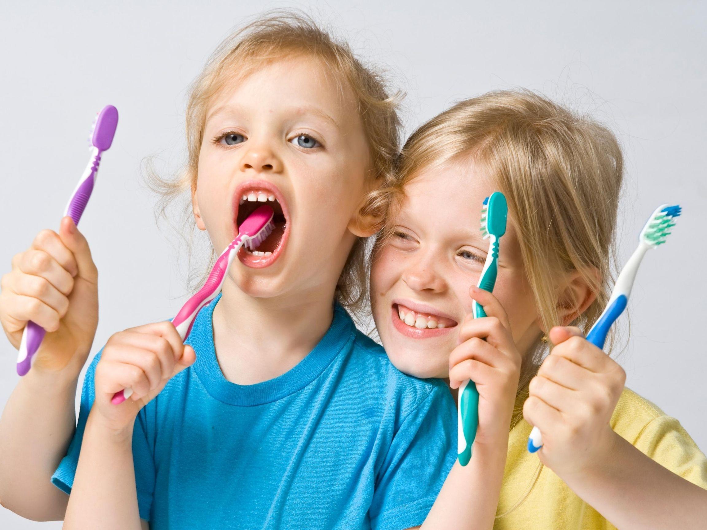 7 razones que desconoces y por la que tu hijo debe acudir al dentista.